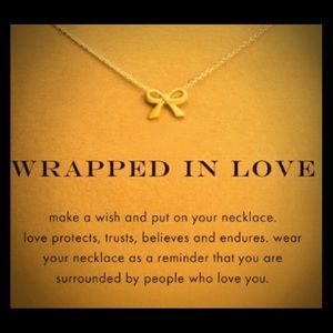 🌸🌿🌸 Wrapped in Love Necklace